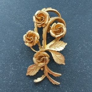 Vintage golden roses brooch